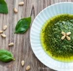Hausgemachtes Basilikum-Pesto