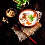 Tom Kha Gai - Kokossuppe mit Hähnchenbrustfilet