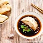 Chinesische Dumplings mit Sauerkraut