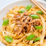 Pikante Sichuan-Hühnchen-Nudel