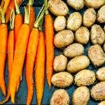 Grill-Kartoffeln und -Karotten mit Cumin und Rosmarin