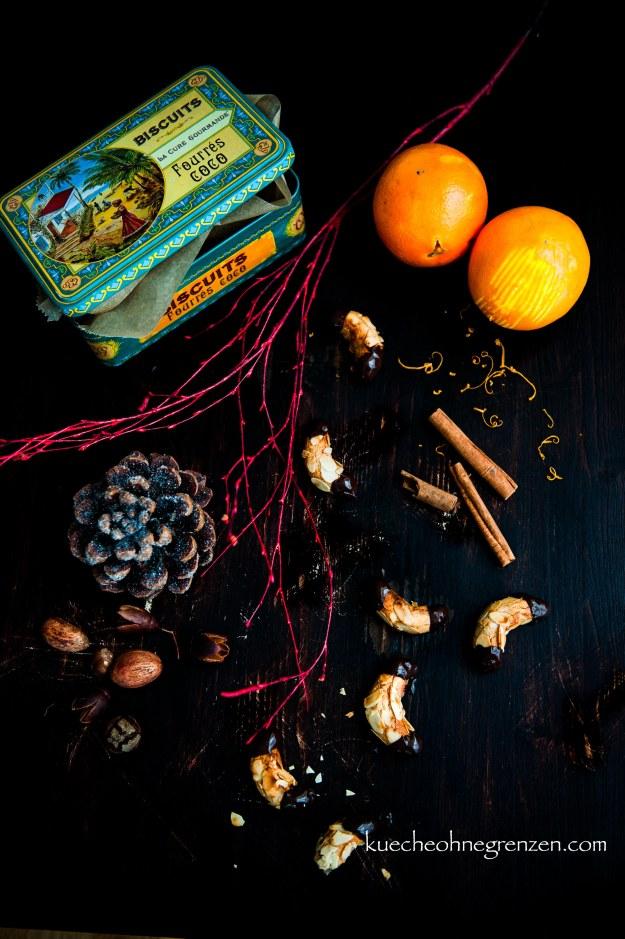 Orangen-Mandelhörchen mit Zimt und Kardamom